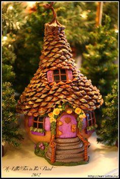 Gourd Fairy Houses Garden Ideas Video You are going to love these Gourd Fairy Houses Garden Ideas an Clay Fairy House, Gnome House, Smurf House, Mini Fairy Garden, Fairy Garden Houses, Gnome Garden, Jardin Zen Interior, Fee Du Logis, Clay Fairies