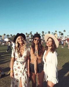 Síguenos en Facebook para estar al día: Consigue los looks de Dulceida y demás bloggers instagramers y modelos   en #Coachella http://fashionisima.enfemenino.com/2017/04/consigue-en-revolve-los-looks-de-tus-bloggers-e-instagramers-favoritas-en-el-festival-de-coachella/