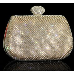 Going to a fancy event? Take your special occasion dress with this elegant clutch bag! Click to get yours.