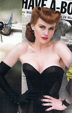 Pinup Superhero: Carla Gugino as Silk Spectre in Watchmen (2009)  HAIR!!!!  love the bettie bangs and the victory rolls!
