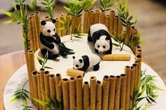 New cupcakes fondant decoration design cake tutorial Ideas Easy Cheesecake Recipes, Easy Cookie Recipes, Fondant Cupcakes, Food Cakes, Bolo Panda, Bolo Barbie, Panda Cakes, Chip Cookie Recipe, Cake Mix Cookies