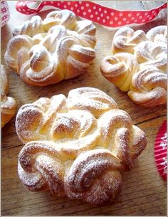 кружевные булочки - Russian lace buns - recipe in Russian but still so beautiful!