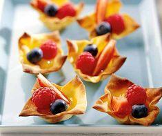 Apfel-Nuss-Cake mit Caramel (vegan) | Betty Bossi Marzipan, Fruit Salad, French Toast, Breakfast, Food, Greedy People, Kitchens, Ginger Beard, Pies