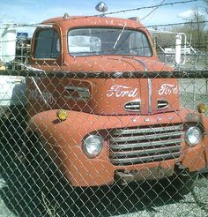 This red 1948 Ford COE Cab-Over-Engine is a real COE commercial truck ready to be restored or customized. Trucks For Sale, Cool Trucks, Big Trucks, Semi Trucks, Ford Tractors, Ford Pickup Trucks, Heavy Duty Trucks, Heavy Truck, 1956 F100