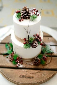 Christmas cake decoration with apples pine ribbon canvas jute branch fir tree re. Christmas cake d Christmas Wedding Cakes, Christmas Cake Designs, Christmas Cake Decorations, Holiday Cakes, Christmas Desserts, Christmas Treats, Christmas Baking, Wedding Decorations, Xmas Wedding Ideas
