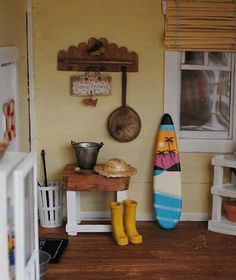 dollhouse beach cottage.I miss playing with doll houses