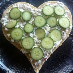Kakebua's blogg: Smørbrødkake Constitution Day, Public Holidays, Cucumber, Food And Drink, Vegetables, Norway, Vegetable Recipes, Zucchini, Veggies