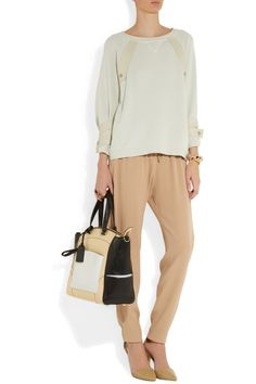 great outfit for a trip or spring Vanessa Bruno|Crepe tapered pants |NET-A-PORTER.COM