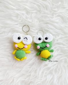 How To Crochet an Amigurumi Rabbit - Craft & Patterns Crochet Keychain Pattern, Crochet Amigurumi Free Patterns, Crochet Doll Pattern, Crochet Motif, Crochet Dolls, Amigurumi Tutorial, Craft Patterns, Doll Patterns, Crochet Frog