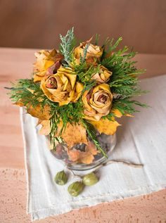 Autumn leaves roses bouquet Rose Bouquet, Autumn Leaves, Fall Decor, Roses, Home And Garden, Table Decorations, Diy, Home Decor, Decoration Home