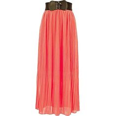 Coral Pleated Chiffon Maxi Skirt With Belt ($25) ❤ liked on Polyvore featuring skirts, long skirts, maxi skirt, coral, long pleated skirt, long red skirt and red pleated maxi skirt
