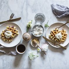 Happy father's day to all the daddies out there! More fun with sour dough yeast waffles at our house this Sunday morning...this time with blueberries in the batter and ginger skyr (Thick, tangy Icelandic yogurt) on top along with lavender honey I brought back from a market in Provence. #theartofslowliving