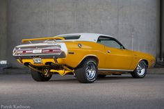 '70 Challenger R/T SE....Re-pin...Brought to you by #HouseofInsurance for #CarInsurance Eugene, Oregon