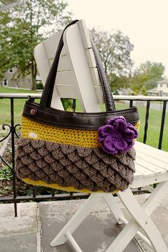 Ravelry: Mermaid Tear Skirt for the Thirty-One (31) Brand Skirt Purse pattern by Jessica Skelly