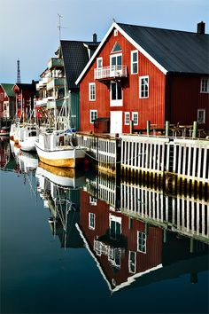 Henningswaer, Norway, fishing village located at the foot of the mountain Vagakaillen in the Lofoten Islands // photo and text by Fabrizio Fenoglio