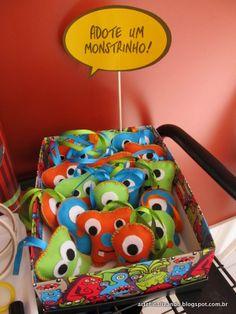 Lembranças de aniversário: monstrinhos de feltro