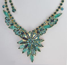 Juliana Vintage Rhinestone Necklace Blue Zircon Czec Emerald Foiless Navettes