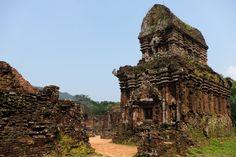 My Son, serene Vietnamese Hindu temples ~ Batnomad My Son Temple, Temple Ruins, Hindu Temple, Khmer Empire, Valley Of The Kings, Archaeological Site, Beautiful Places To Visit, World Heritage Sites