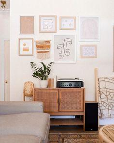 Blogger & Content Creator (@amoureusement_mode) • Photos et vidéos Instagram Happy Thursday, Happy Sunday, Tool Design, Business Design, Decoration, The Hamptons, Beautiful Homes, Photos, Interior Design
