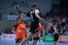 Women's Handball: Deutschland vs. Niederlande - An International Test Game sportscasted by the Deutscher Handball Bund. (in German). Create your own FREE sportscasts on tickaroo.com.
