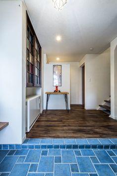 「瑠璃色タイルが美しい、レトロモダンな家」 テクノストラクチャー工法の家