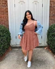 Discover recipes, home ideas, style inspiration and other ideas to try. Thick Girls Outfits, Curvy Girl Outfits, Cute Casual Outfits, Plus Size Outfits, Chubby Fashion, Curvy Girl Fashion, Petite Fashion, Mode Outfits, Fashion Outfits