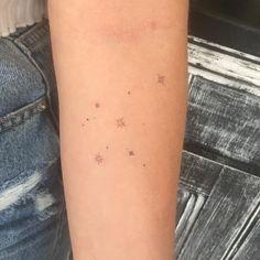 Tiny Tattoos For Girls, Cute Tiny Tattoos, Dainty Tattoos, Cool Small Tattoos, Little Tattoos, Pretty Tattoos, Mini Tattoos, Body Art Tattoos, Cool Tattoos