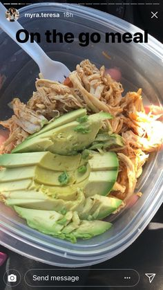 Quick chicken and avocado meal. Add carmelized onions and an egg! Lunch Meal Prep, Healthy Meal Prep, Healthy Snacks, Healthy Eating, Lunch Recipes, Diet Recipes, Cooking Recipes, Healthy Recipes, Recipies