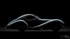 """Talbot Lago typ 150 SS Figoni & Falaschi """"Teardrop Coupé"""", 1937 - model made by CMC in 1:18th scale."""