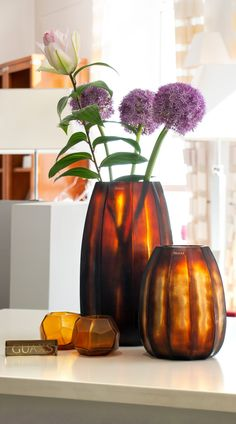 The luxury vase KOONAM XL Butter Brown by exclusive designer brand Guaxs is made from mouthblown glass and covered with a handcut surface. Home Decor Inspiration, Beautiful Homes, Contemporary Art, Glass Vase, Branding Design, Surface, Butter, Sculpture, Interior Design