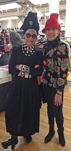 Idiosyncratic Fashionistas: MAKE MINE A MANHATTAN. VINTAGE SHOW, that is...