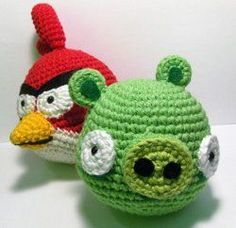 1500 Free Amigurumi Patterns: Angry Birds Red Cardinal and Green Pig Amigrumi Pattern
