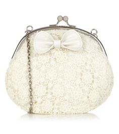 La bolsa es muy blanco.
