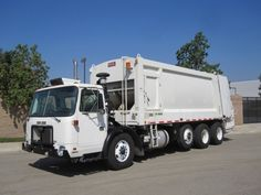 2007 Autocar Xpeditor with Heil DuraPack 5000 32 Yard Rear Loader Garbage Truck for Sale, Cummins ISL 8.9L 330hp Diesel Engine, Allison 4500 RDS Automatic Transmission, Clean Ex-City Truck