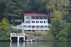 Lake Lure Vacation Rental - VRBO 429646 - 4 BR Blue Ridge Mountains Cottage in NC, Boutique Amenities in a Vintage Lakefront Cottage W/ Pont...