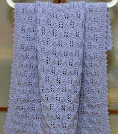 Per questa copertina ho usato 6 gomitoli di lana merino Titan Wool Winner di colore azzurro lavorata con i ferri n. 4 e un semplice punto ... Baby Knitting Patterns, Free Knitting, Fillet Crochet, Manta Crochet, Drops Design, Baby Blanket Crochet, Crochet Stitches, Baby Love, Lana