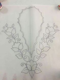 Diy Crafts - How to Draw 4 Leaf Clovers & Shamrocks for St Patricks Day Hand Embroidery Design Patterns, Hand Embroidery Dress, Kurti Embroidery Design, Hand Embroidery Stitches, Ribbon Embroidery, Beaded Embroidery, Machine Embroidery, Bordado Floral, Hungarian Embroidery
