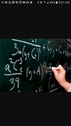 Mi clase de matemáticas es a las ocho y cuarto de la mañana los lunes y el miércoles. Mi clase de matemáticas es muy aburrida.