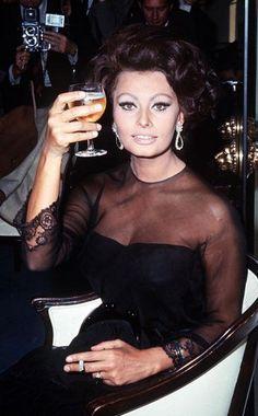 Sophia Loren- cheers