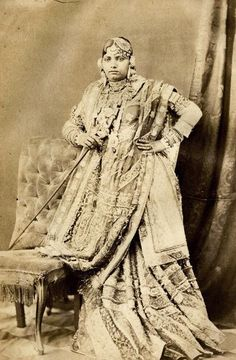 Sharara/Garara -- remember this classic fashion style from the era of Lucknow Nawabs? How lovely! Rare Photos, Vintage Photographs, Old Photos, Vintage Photos, Vintage India, Colonial India, Royal Indian, Indian Textiles, Indian Fabric