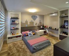Decoração para quartos de meninos ainda crianças, com lugar para brinquedos, estudos, video game... Ambientes alegres e coloridos!