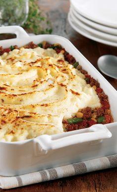 Delicious & Hearty Shepherd's Pie only takes 15 minutes to prep! #SimplyPotatoes