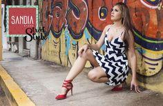 Miren a @jpinto19 totalmente espectacular en modo #SandiaStreetStyle  Ven por tu outfit completo, estamos abiertos hasta las 9pm!! Fotografía por: @frankyboyd