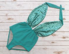 Mermaid Swimsuit – Swimsuit High Waisted Vintage Style – Jade Green Mermaid Sequin One Piece Retro Pin-up Bathing Suit Swimwear -Bachelorette Spring Break € – Etsy - Vintage Stil, Vintage Mode, Style Vintage, Vintage Fashion, Vintage Inspired, Mermaid Swimsuit, Strapless Swimsuit, Bandeau Swimsuit, Retro One Piece Swimsuits