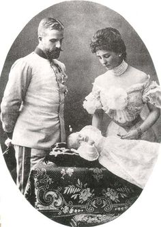 Prince Louis de Saxe-Coburg-Gotha et sa femme,la Princesse Mathilde de Bavière avec leur fils, le Prince Antonius.