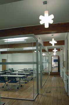 CROSSLIGHT #DARK white project office