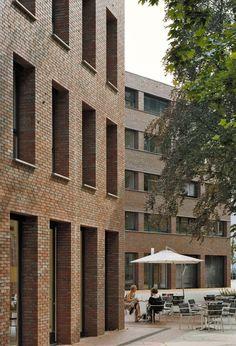 Diakonie Düsseldorf <br /> Fotos: Eduard Hueber Brick Architecture, Bricks, Multi Story Building, Exterior, London, Image, Brick, Arquitetura, Brick Exteriors