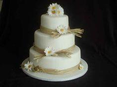 Mehrstöckige Hochzeitstorten - das Symbol jeder Hochzeitszeremonie