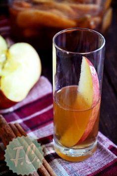 Λικέρ Applepie (Σπιτικό Λικέρ Μήλο)By Ευα Μονοχαρη Published: Οκτωβρίου 14, 2013Απόδοση: 650 ml.Προετοιμασία: 10 λεπτάΤα σπιτικά λικέρ είναι σκέτη απόλαυση, ακόμη και