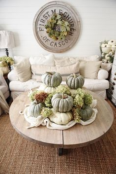 Photo: Liz Marie Blog- Click Here to see her beautiful fall living room.